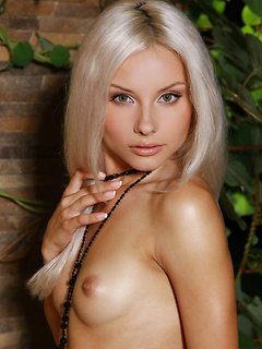 Glamour Sexy Girls Adelia A
